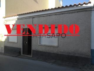 Ver Casa antigua 2 habitaciones Con garaje, Centro (Vila Moreira), Alcanena e Vila Moreira, Santarém, Alcanena e Vila Moreira en Alcanena