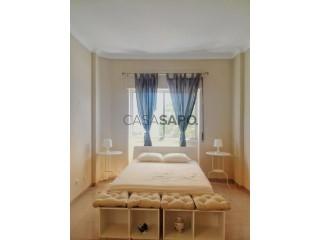 See Apartment 3 Bedrooms, Laranjeiro e Feijó in Almada