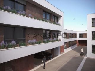 Ver Apartamento T2 com garagem, Faro (Sé e São Pedro) em Faro
