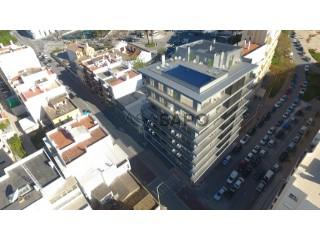 Ver Apartamento T4 com garagem, Faro (Sé e São Pedro) em Faro
