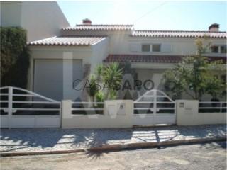 Ver Casa 4 habitaciones, Triplex, Abrantes (São Vicente e São João) e Alferrarede, Santarém, Abrantes (São Vicente e São João) e Alferrarede en Abrantes