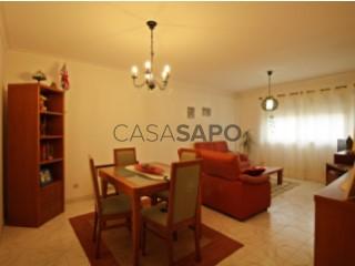 Ver Apartamento T3, Quinta das Nespereiras, Marinha Grande, Leiria na Marinha Grande