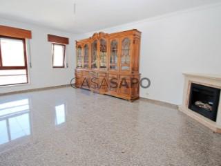 Ver Apartamento T3 Com garagem, Bairro da Carochia (Ramada), Ramada e Caneças, Odivelas, Lisboa, Ramada e Caneças em Odivelas