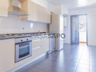 See Apartment 3 Bedrooms With garage, Lagar, Câmara de Lobos, Madeira in Câmara de Lobos