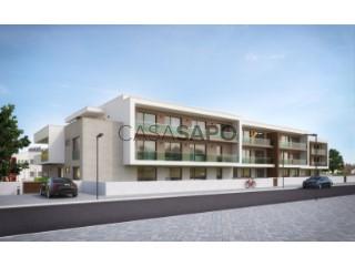 Ver Apartamento T3 Duplex com garagem, Nossa Senhora do Pópulo, Coto e São Gregório em Caldas da Rainha