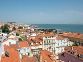 See Apartment 6 Bedrooms With garage, Lapa, Estrela, Lisboa, Estrela in Lisboa