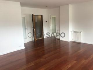 Ver Apartamento T4 com garagem, Ramalde no Porto