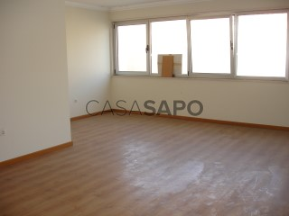 Ver Apartamento T4 com garagem, Alhos Vedros na Moita