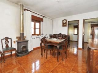 See House 2 Bedrooms, Póvoa de Santo Adrião e Olival Basto in Odivelas