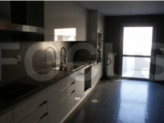 See Terraced House 4 Bedrooms with garage, Glória e Vera Cruz in Aveiro
