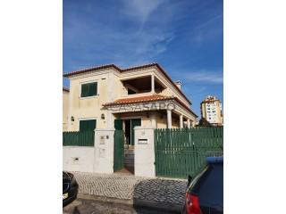 Ver Moradia T4 Triplex Com garagem, Quinta das Flores (Massamá), Massamá e Monte Abraão, Sintra, Lisboa, Massamá e Monte Abraão em Sintra