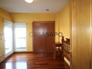 Ver Dúplex 4 habitaciones con garaje en Lugo