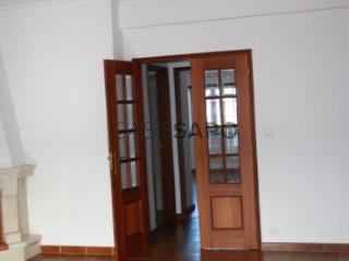 Ver Apartamento T3, Santo Agostinho e São João Baptista e Santo Amador na Moura