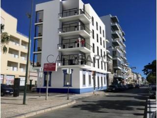 Voir Appartement 4 Pièces avec garage à Olhão