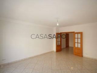 Ver Apartamento T2 com garagem em Olhão