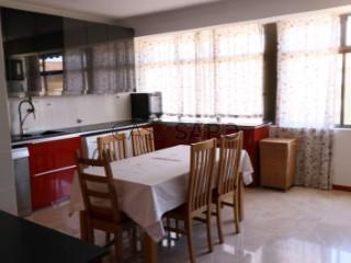 Ver Apartamento 5 habitaciones con garaje, Alverca do Ribatejo e Sobralinho en Vila Franca de Xira