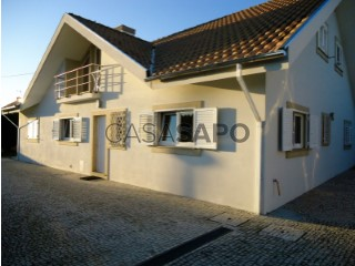See Detached House 4 Bedrooms Duplex With garage, Centro (Ovar), Ovar, S.João, Arada e S.Vicente de Pereira Jusã, Aveiro, Ovar, S.João, Arada e S.Vicente de Pereira Jusã in Ovar