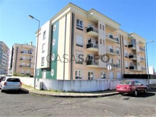 See Apartment 2 Bedrooms with garage, Nossa Senhora do Pópulo, Coto e São Gregório in Caldas da Rainha