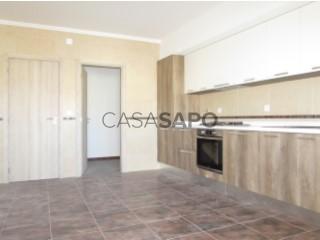 Voir Appartement 4 Pièces Avec garage, Santo Onofre e Serra do Bouro, Caldas da Rainha, Leiria, Santo Onofre e Serra do Bouro à Caldas da Rainha