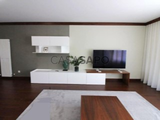See Apartment 4 Bedrooms with garage, Marrazes e Barosa in Leiria
