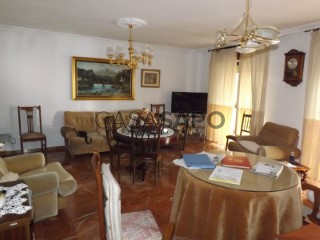 Ver Piso 3 habitaciones + 1 hab. auxiliar con garaje en Jaén