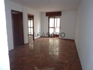 Ver Piso 3 habitaciones + 1 hab. auxiliar en Jaén