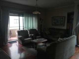 Voir Appartement 4 Pièces+1 avec garage, Águas Santas à Maia