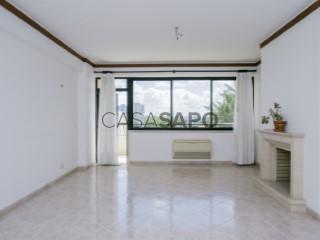 Voir Appartement 3 Pièces Avec garage, Av. Nossa Senhora do Rosário (Cascais), Cascais e Estoril, Lisboa, Cascais e Estoril à Cascais
