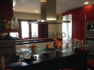 Voir Maison 5 Pièces Duplex avec garage, Alverca do Ribatejo e Sobralinho à Vila Franca de Xira