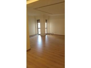 Ver Apartamento T3 Com garagem, Estação (Queluz), Queluz e Belas, Sintra, Lisboa, Queluz e Belas em Sintra