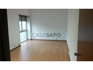 Ver Escritório  com garagem, Sé Nova, Santa Cruz, Almedina e São Bartolomeu em Coimbra