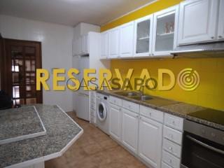 Ver Apartamento 2 habitaciones + 1 hab. auxiliar Con garaje, Centro (Gueifães), Cidade da Maia, Porto, Cidade da Maia en Maia