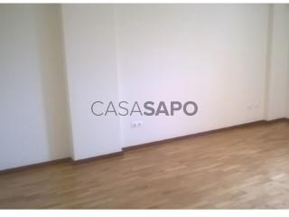 Ver Apartamento T2 com garagem, Aldoar, Foz do Douro e Nevogilde no Porto