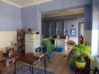 See Laundrette / Dry Cleaner With swimming pool, Praia da Rocha, Portimão, Faro in Portimão