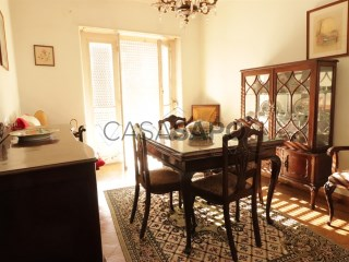 See Apartment 4 Bedrooms, Alvalade in Lisboa