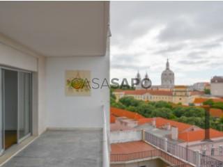 Voir Appartement 6 Pièces avec garage, Estrela à Lisboa