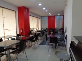 Ver Café bar Con garaje, Vila Nova de Cerveira e Lovelhe, Viana do Castelo, Vila Nova de Cerveira e Lovelhe en Vila Nova de Cerveira