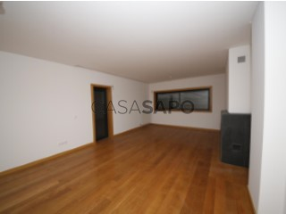 See Apartment 3 Bedrooms with garage in Viseu