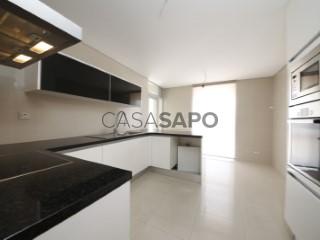 Ver Apartamento T4 com garagem, Glória e Vera Cruz em Aveiro