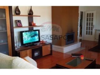 See Apartment 3 Bedrooms, Colmeias e Memória in Leiria
