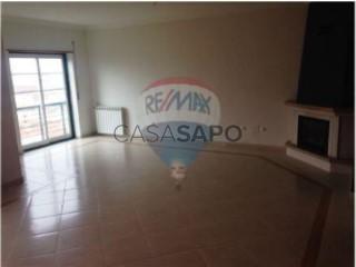 Ver Apartamento 3 habitaciones, Igreja Nova e Cheleiros en Mafra