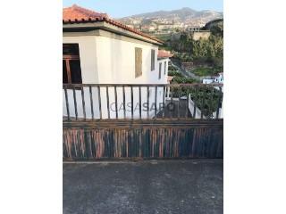 Voir Appartement 4 Pièces Avec garage, Câmara de Lobos, Madeira à Câmara de Lobos