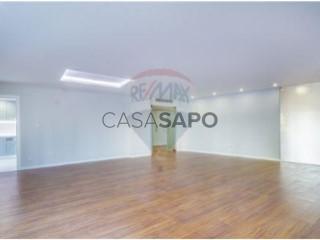 Voir Appartement 4 Pièces, Oeiras e São Julião da Barra, Paço de Arcos e Caxias, Lisboa, Oeiras e São Julião da Barra, Paço de Arcos e Caxias à Oeiras