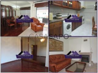Voir Appartement 4 Pièces Avec garage, Vila Nogueira de Azeitão (São Lourenço), Azeitão (São Lourenço e São Simão), Setúbal, Azeitão (São Lourenço e São Simão) à Setúbal