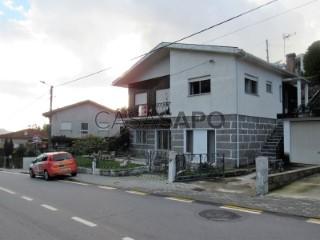 See House 3 Bedrooms with garage, Vale (São Martinho) in Vila Nova de Famalicão