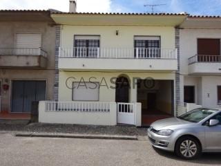 Ver Moradia T4 com garagem em Vendas Novas