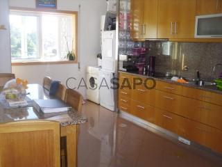 Voir Appartement 4 Pièces Avec garage, Canedo, Vale e Vila Maior, Santa Maria da Feira, Aveiro, Canedo, Vale e Vila Maior à Santa Maria da Feira