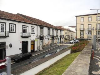Ver Penthouse T3, Matriz, Ponta Delgada (São Sebastião), São Miguel, Ponta Delgada (São Sebastião) em Ponta Delgada
