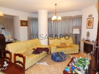 Voir Appartement 4 Pièces Avec garage, Santo António dos Olivais, Coimbra, Santo António dos Olivais à Coimbra