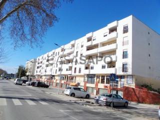 Voir Appartement 4 Pièces, Centro (Santo Onofre), Santo Onofre e Serra do Bouro, Caldas da Rainha, Leiria, Santo Onofre e Serra do Bouro à Caldas da Rainha